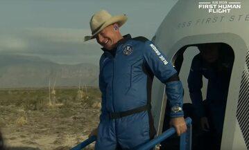 Jeff Bezos poleciał w przestrzeń kosmiczną rakietą od Blue Origin
