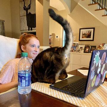Jeśli nauczanie zdalne, to tylko z kotem