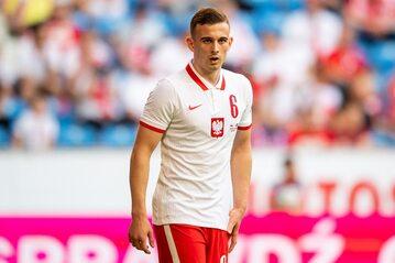 Kacper Kozłowski w meczu Polski z Islandią