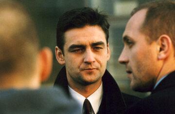 "Kadr z filmu ""Dług"" (1999)"