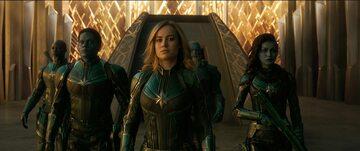 "Kadr z filmu ""Kapitan Marvel"""