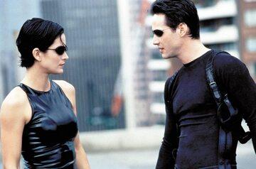 "Kadr z filmu ""Matrix"""
