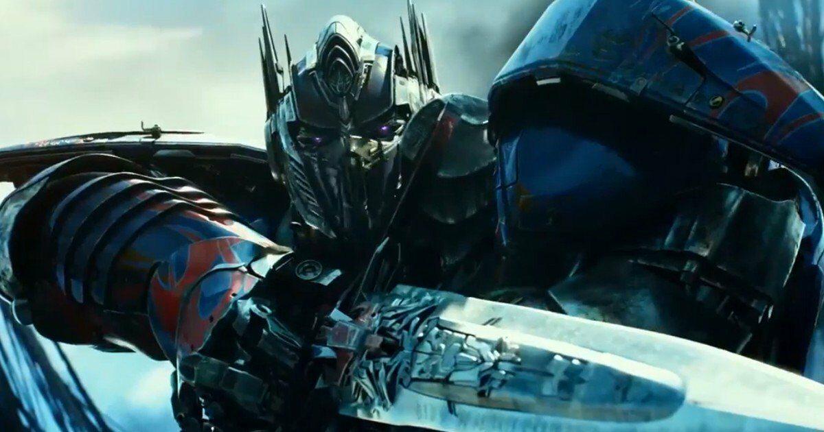 "kadr z filmu ""Transformers: The Last Knight"" (2017)"