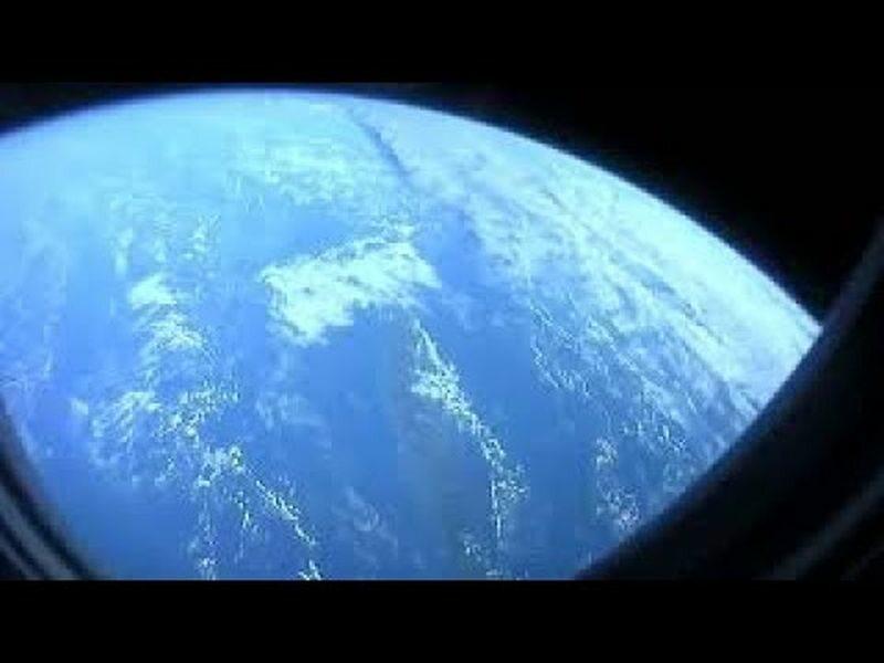 Kadr z nagrania astronauty Victora Glovera