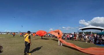 Kadr z nagrania z festiwalu latawców