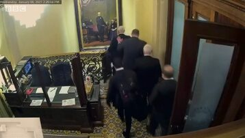 Kadr z niepokazywanego wcześniej nagrania ze szturmu na Kapitol