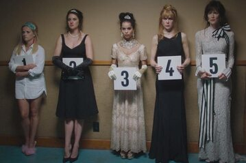 """Kadr z pierwszego sezonu serialu """"Wielkie kłamstewka"""""""