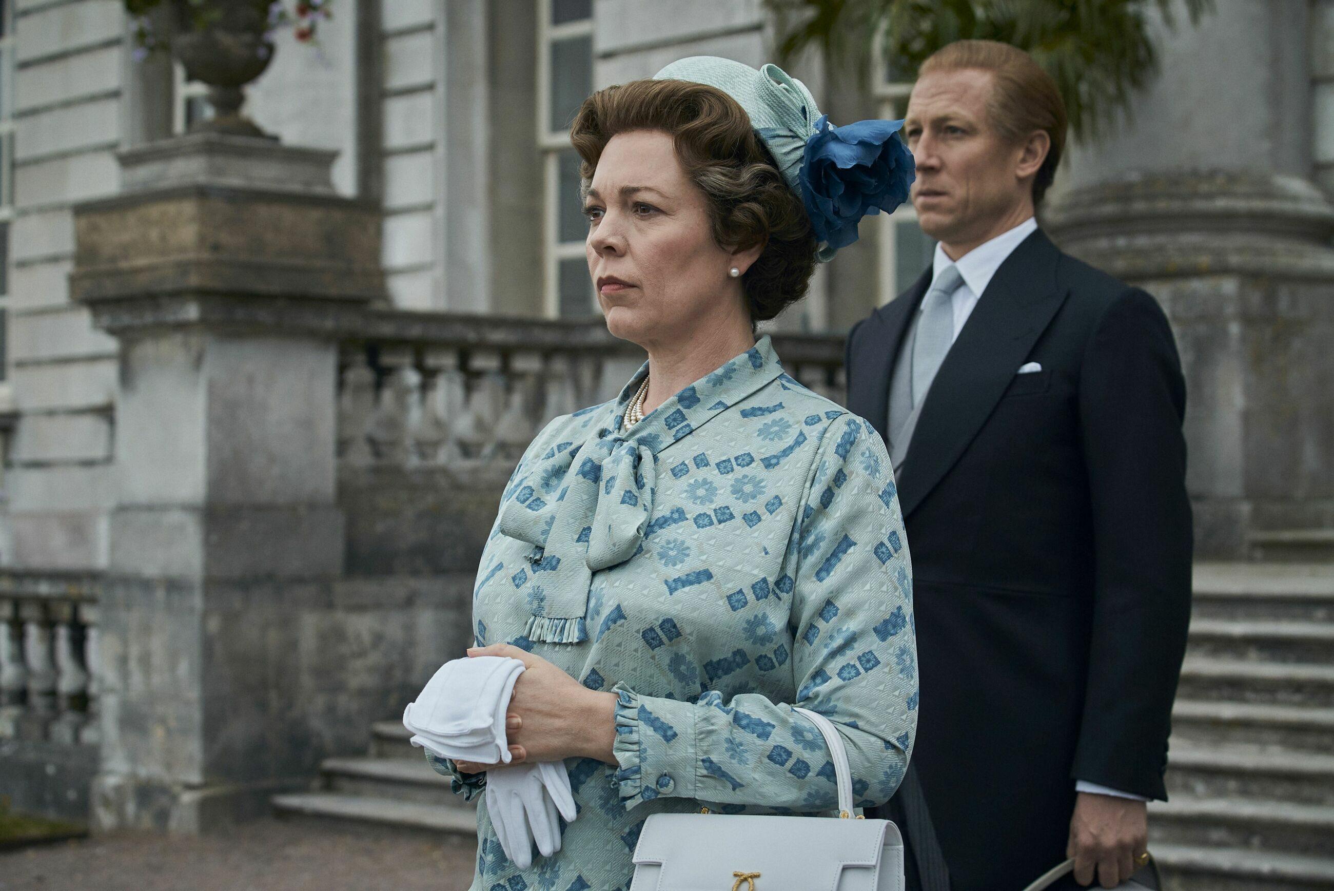 """Kadr z serialu """"The Crown"""". Olivia Coleman jako Elżbieta II i Tobias Menzies jako ksiażę Filip"""