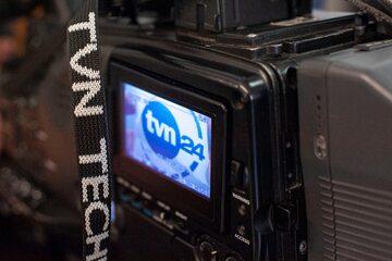 Kamera z logo TVN24, zdjęcie ilustracyjne