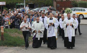 Kamienna Góra, 22 sierpnia 2015 r. Pogrzeb 10-letniej Kamili