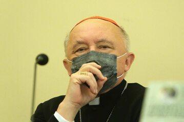 Kardynał Nycz zachęca do szczepień