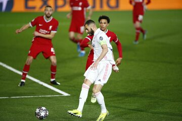 Karim Benzema w meczu z Liverpoolem