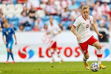 Karol Świderski w meczu z Islandią