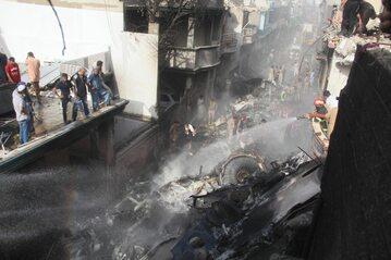 Katastrofa samolotu w Karaczi, gaszenie wraku