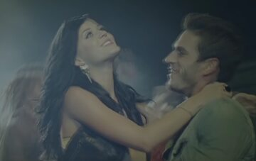 Katy Perry i Josh Kloss w teledysku do piosenki