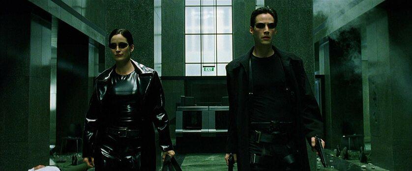 "Keanu Reeves i Carrie-Anne Moss w filmie ""Matrix"" (1999)"
