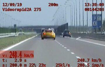 Kierowca jechał 248 km/h