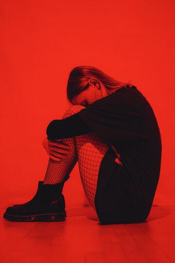 Kobieta przeżywająca stres