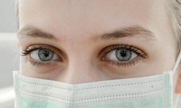 Kobieta w masce, zdjęcie ilustracyjne