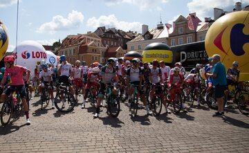 Kolarze na starcie Tour de Pologne w Lublinie