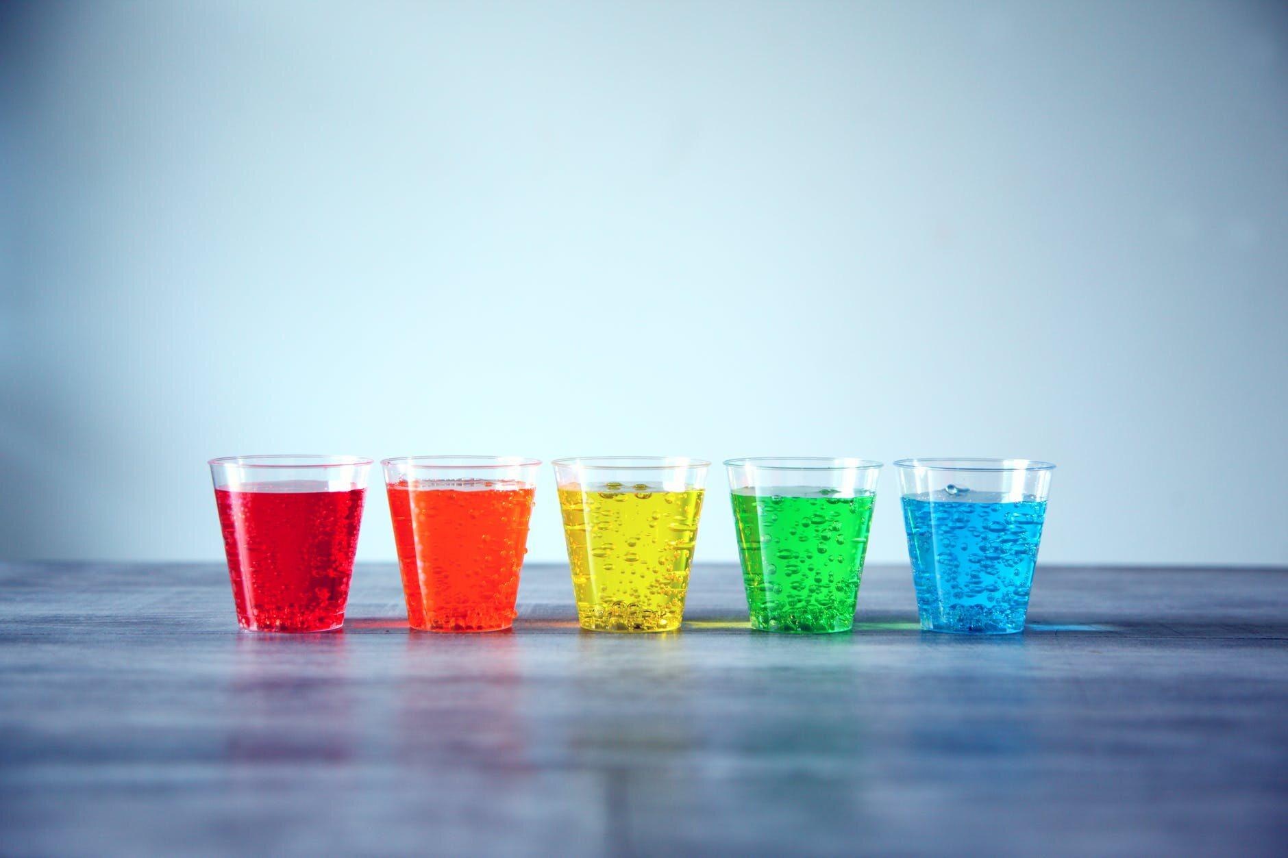 Kolorowe napoje gazowane