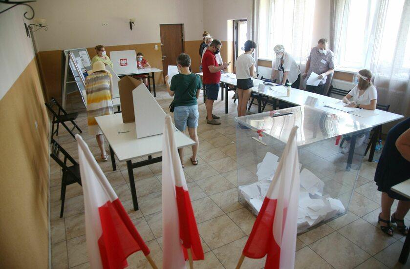 Komisja wyborcza w Józefowie