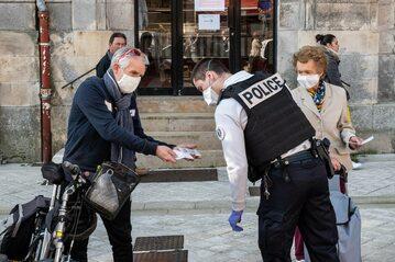 Kontrola dokumentów we Francji