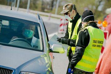 Kontrola na przejściu granicznym Chałupki-Bogumin