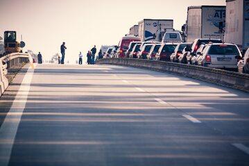 Korek drogowy - zdjęcie ilustracyjne