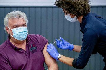 Koronawirus. Szczepienie przeciwko COVID-19 w Holandii