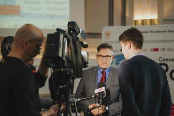 Krzysztof Olendzki - dyrektor Instytutu Adama Mickiewicza podczas wywiadu dla TVP Info