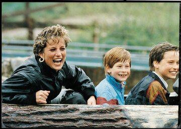 Księżna Diana i książęta: Harry i William w 1993 roku