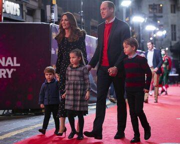 Księżna Kate i książę William z dziećmi