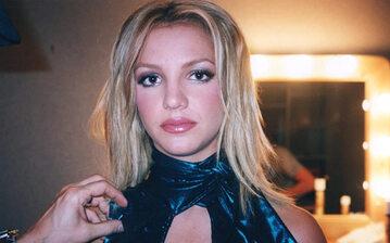"""""""Kto wrobił Britney Spears?"""" (ang. """"Framing Britney Spears"""")"""