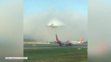 Lądowanie  Airbusa A380  na lotnisku Gatwick