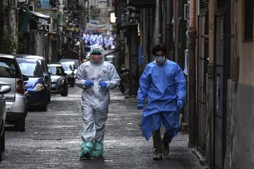Lekarze na ulicach Neapolu