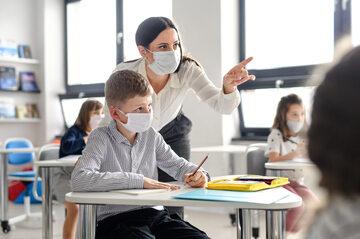 Lekcja w dobie pandemii koronawirusa, zdjęcie ilustracyjne