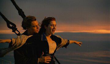 "Leonardo DiCaprio i Kate Winslet w filmie ""Titanic"""