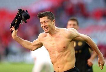 Lewandowski zdobył 41. bramek w sezonie 2020/2021