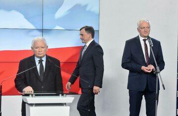 Liderzy trzech partii wchodzących w skład Zjednoczonej Prawicy: Jarosław Kaczyński, Zbigniew Ziobro i Jarosław Gowin