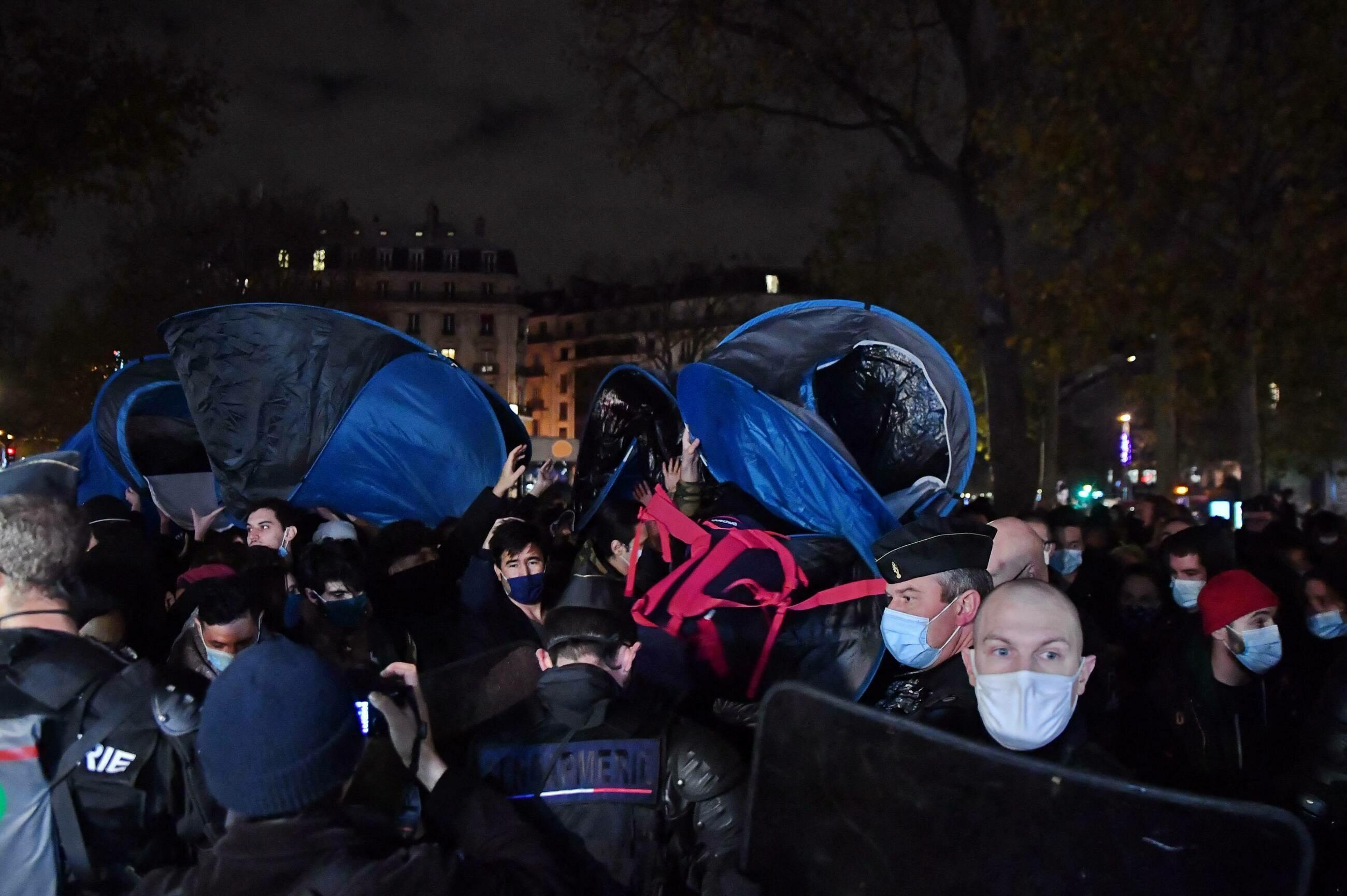 Likwidacja obozowiska w Paryżu