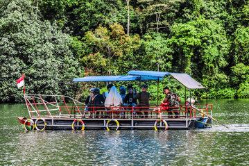 Łódź w Indonezji, zdjęcie ilustracyjne