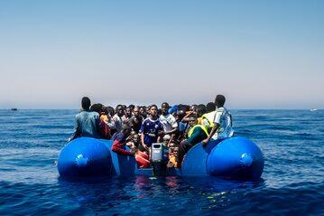 Łódź z imigrantami z Libii