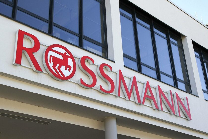 Logo sklepów Rossmann