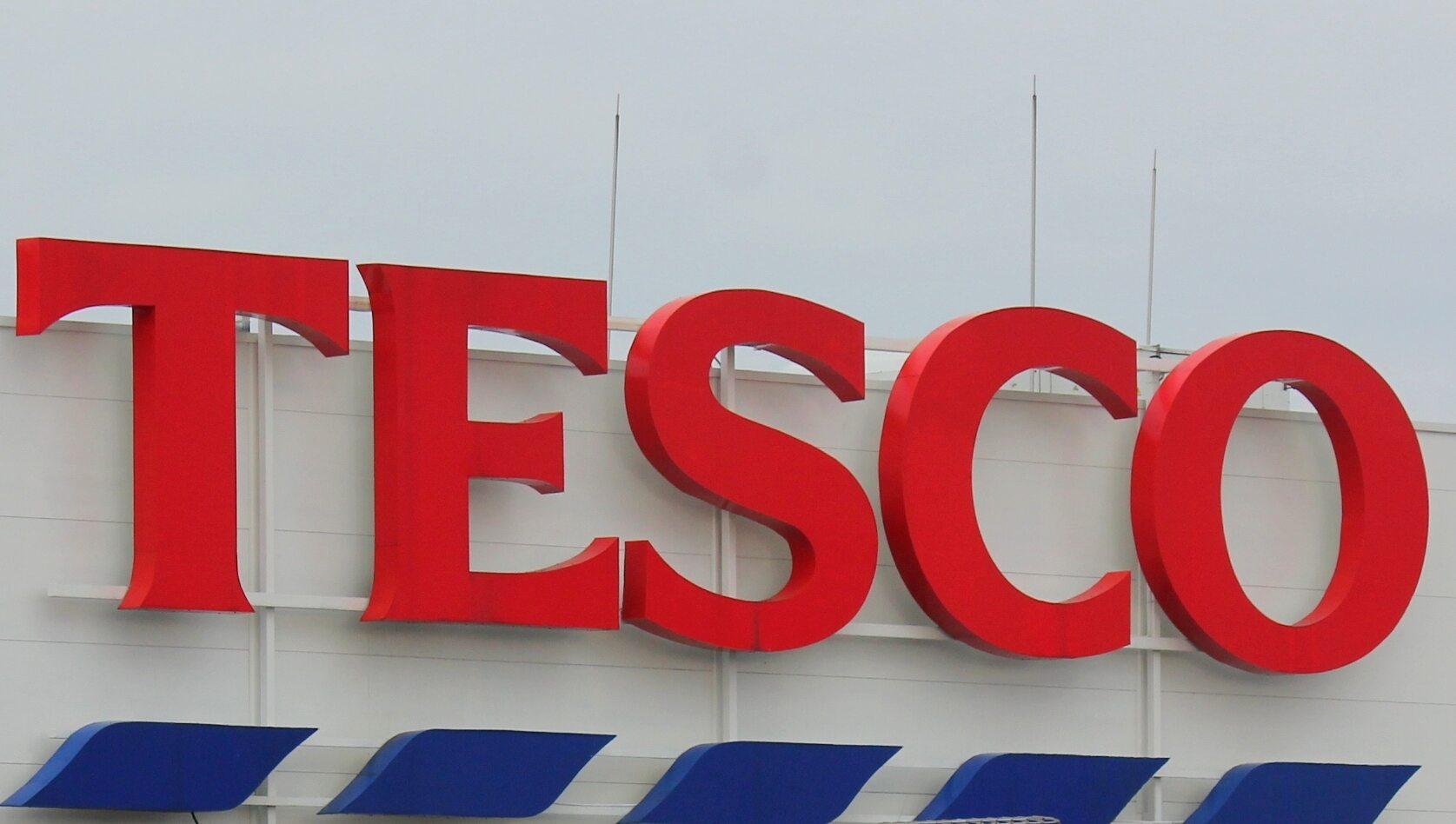 Logo sklepów Tesco