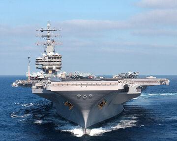 "Lotniskowiec typu Nimitz ""Ronald Reagan"""
