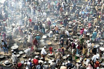 Ludność Rohingja w jednym z obozów dla uchodźców