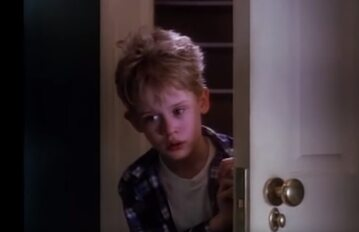 """Macaulay Culkin w filmie """"Kevin sam w domu"""""""