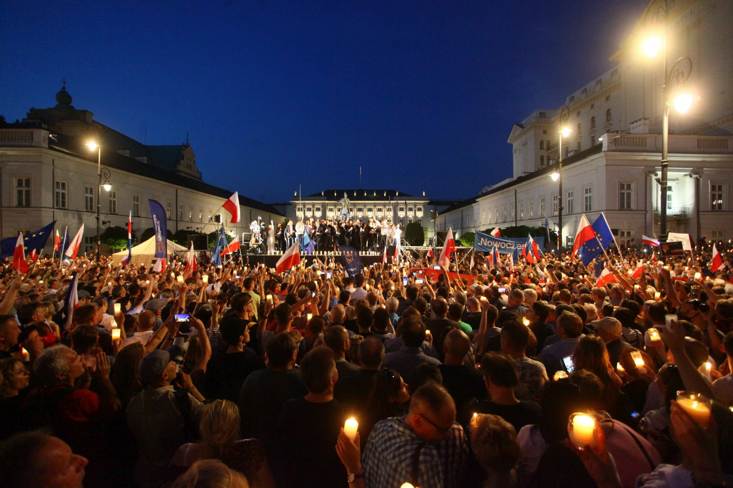 Manifestacja przed Pałacem Prezydenckim, 20 lipca 2017 roku