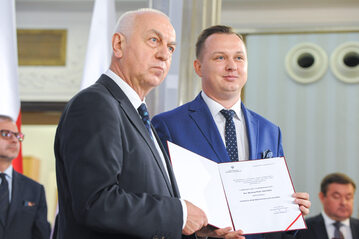 Mariusz Kałużny podczas uroczystości wręczenia nominacji posłom